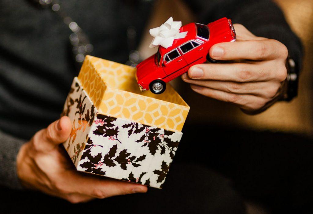 9 tipov na vianočné darčeky, ktorými potešíte (nielen) milovníkov áut