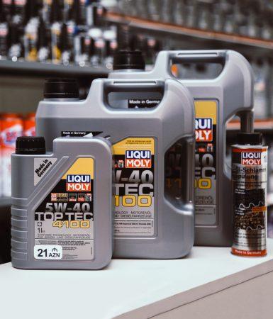 Syntetický alebo minerálny motorový olej: Aký je medzi nimi rozdiel a ktorý vybrať?
