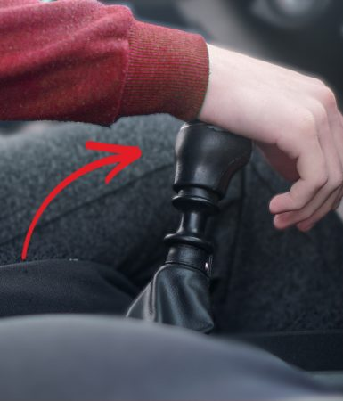 5 chýb, ktorých sa dopúšťajú šoféri pri radení (Robíte ich aj vy?)