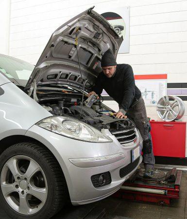 Ako úspešne prejsť cez STK: Ako skontrolovať auto ana čo si dať pozor?